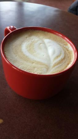 Bean Counter Bistro & Coffee Bar: Cappucino and supreme pizza