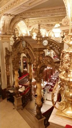 New York Cafe: Sumptuous Gilded Age Interior