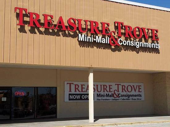 ‪Treasure Trove Mini Mall & Consignments‬