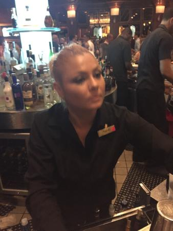 El San Juan Hotel, Curio Collection by Hilton: The worst bartender ever!!!!! Extremely rude!!!! I believe her name is Nardy. If you are a custo