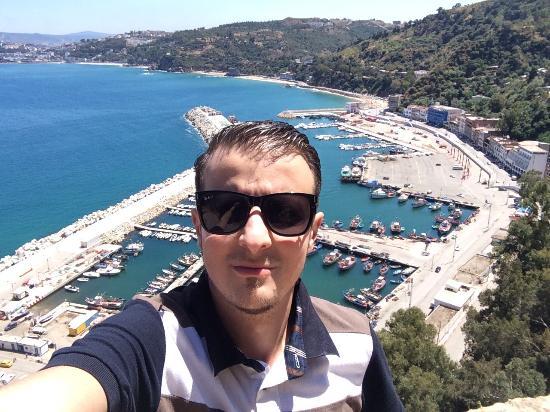 Skikda, Algeria: Belle vue de la montagne du port de stora