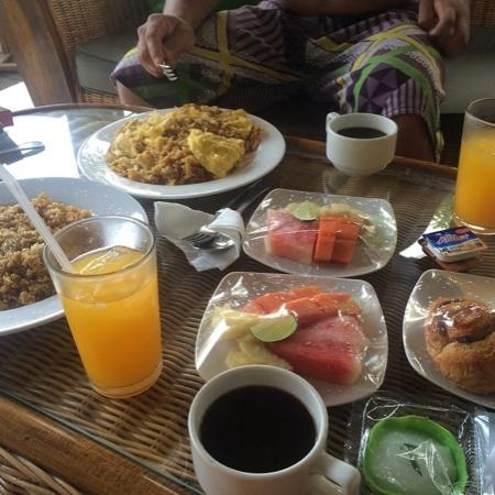 Puri Clinton Home Stay: delicious breakfast!
