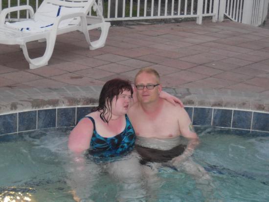 Clarion Suites Maingate: Hot Tub