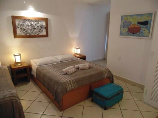 Pousada Tartaruga: Habitación limpia y cómoda con aire acondicionado