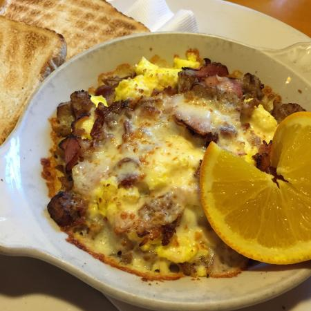 One World Cafe : The Alexander Country skillet - delicious!!!
