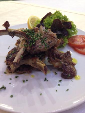 Pizzeria Capri : Ягненок#огромная порция#очень, очень достойно#07.03.2015