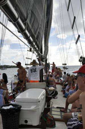 Sailing aboard the pirate schooner Bones - Picture of Cool Boats