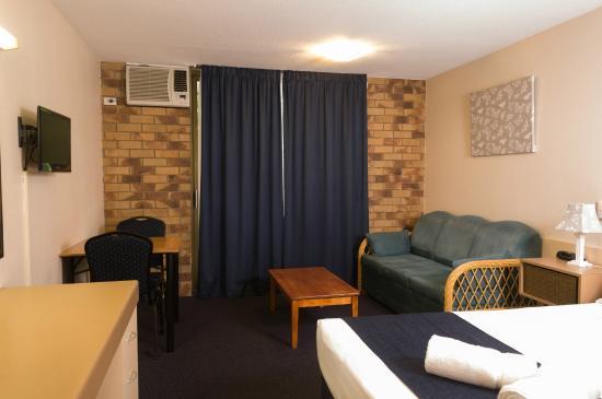 Lancaster Court Motel: Double Room 1 x Queen Bed