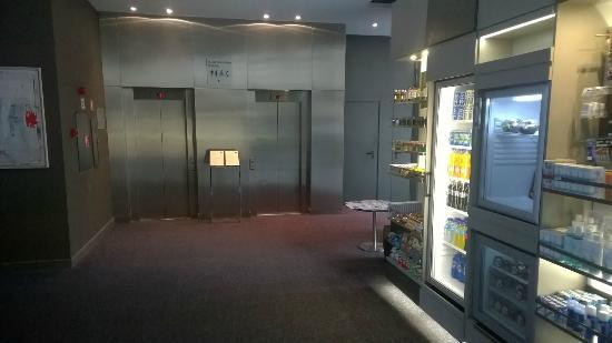 AC Hotel Ciutat de Palma: Lobby area