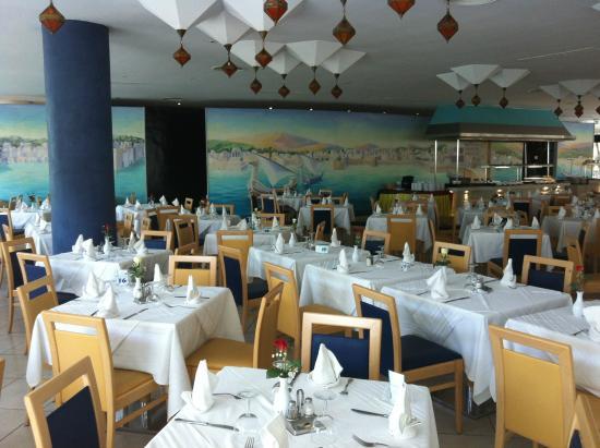 Restaurant avec buffets picture of sentido phenicia for Hotel avec restaurant