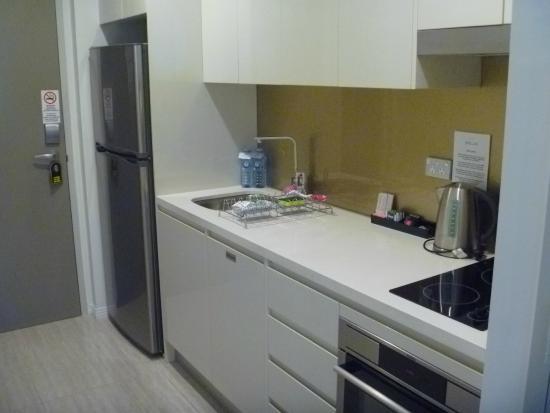 studio apartment kitchen picture of meriton serviced. Black Bedroom Furniture Sets. Home Design Ideas