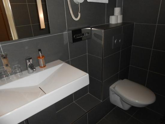 Hotel Villa Margaux Opera Montmartre: bathroom