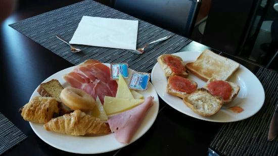 AC Hotel Sevilla Forum: Desayuno