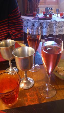 Auberge le Logis de Mirepoix : verres en étain de l'Auberge !
