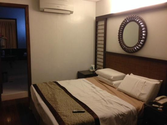 Lotus Garden Hotel: my room