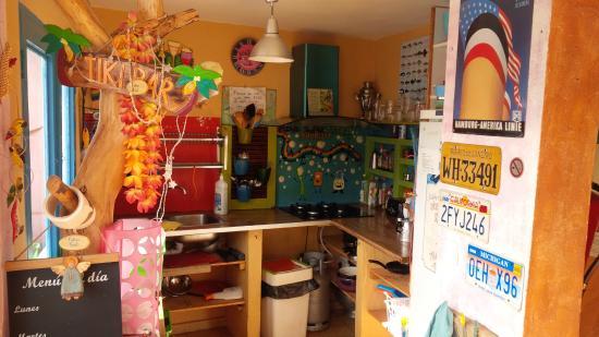 Volver Beach Hostel: The kitchen