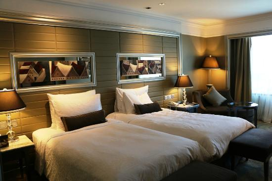 Intercontinental Bangkok Huge Room Two Queen Size Bed