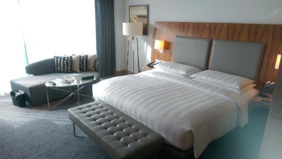 Hyatt Capital Gate: comfortable bed