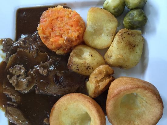 Olivers cafe morecambe: Fantastic roast beef dinner !!