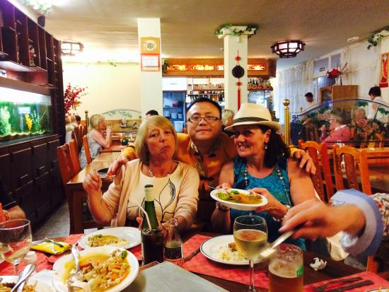 Golden Bay : Happy Scottish Diners