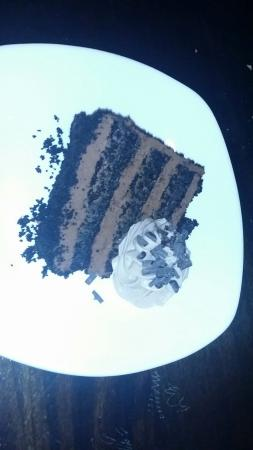 Tommy Bahama's Restaurant & Bar: Our heavenly chocolate cake