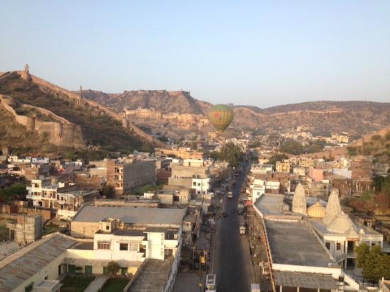 Jaipur, India: Second balloon following us