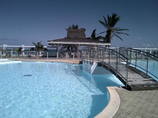 Hotel Mont Vernon: piscine 2