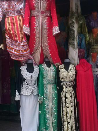 الجزائر العاصمة, الجزائر: ملابس تقليدية للنساء الجزائريات