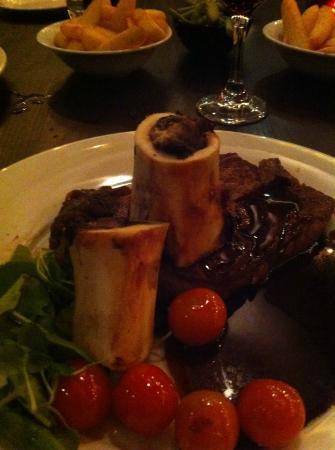 Midtown Grill Restaurant: Marrow bone and Ribeye Steak