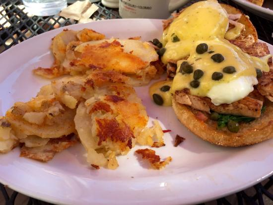 The Silver Grill Cafe: Salmon Benedict