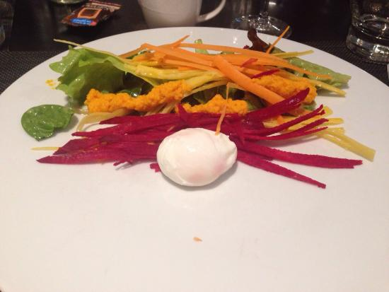 Novotel Lille Centre Grand Place : Poached egg starter
