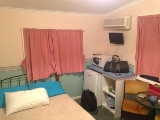 Busselton Ithaca Motel: nice little room for the night.