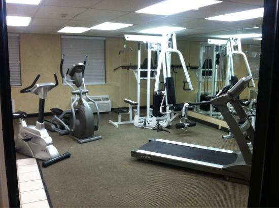 Wyndham Garden Wichita Downtown: We didn't have time to use the gym, but it looked nice.