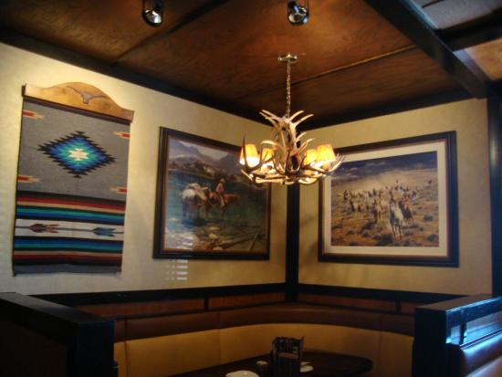 Comfortable seating picture of longhorn steakhouse port