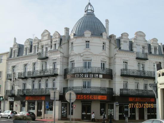 vue de l 39 ext rieur picture of hotel de la terrasse. Black Bedroom Furniture Sets. Home Design Ideas
