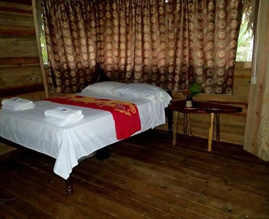 Yaxche Jungle Camp: inside cabana 1
