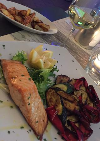 La Tortuga Ristopub : Salmone alla piastra