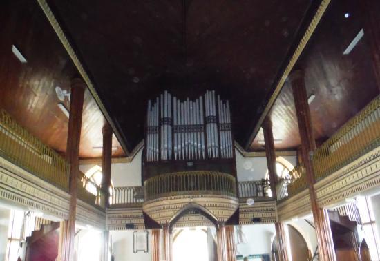 St. John's Parish Church: Pipe Organ