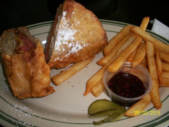Bennigan's: Monte Cristo sandwich with french fries