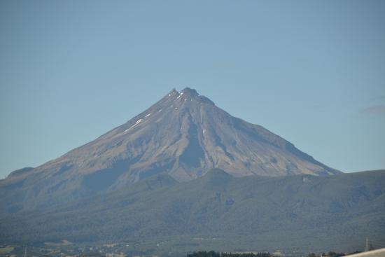 16 Havelock: Mount Taranaki