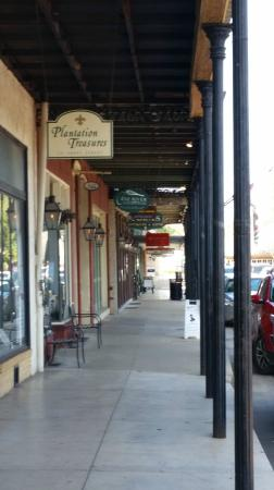 Historic District Shopping: Great place to stroll and shop.