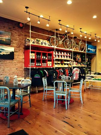 Double Shot Cyclery: Interior of new location
