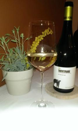 Villa Chiara Orto & Cucina: Wine with dinner