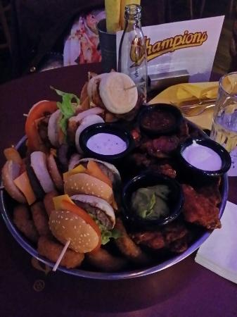 Champions - The American Sports Bar & Restaurant: Sampler Tower