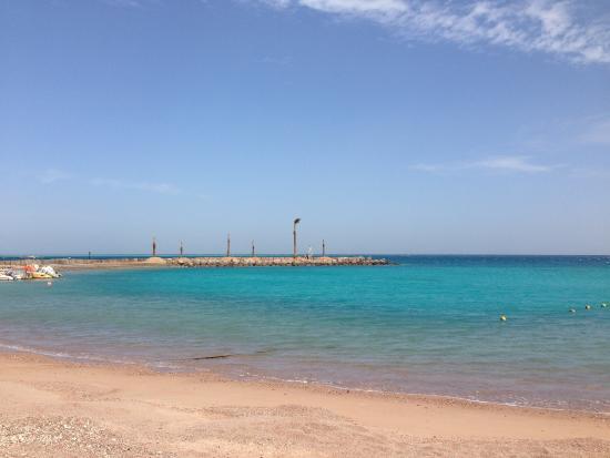Hilton Hurghada Plaza: Голубое-голубое море����