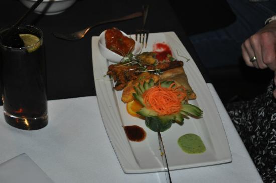 Anoki: the vegetarian option, samosa, pakora, mshroom and bahjee