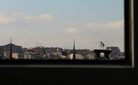 Taksim Istanbul Apart: The view from the kitchen