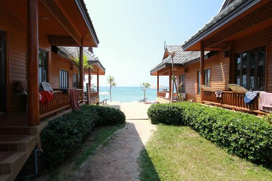 Baan Pakgasri Hideaway: Blick aufs Meer