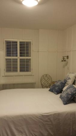 Tannery Townhouse: My room. Best business trip ever!