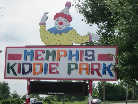 Memphis Kiddie Park: Sign at Entrance